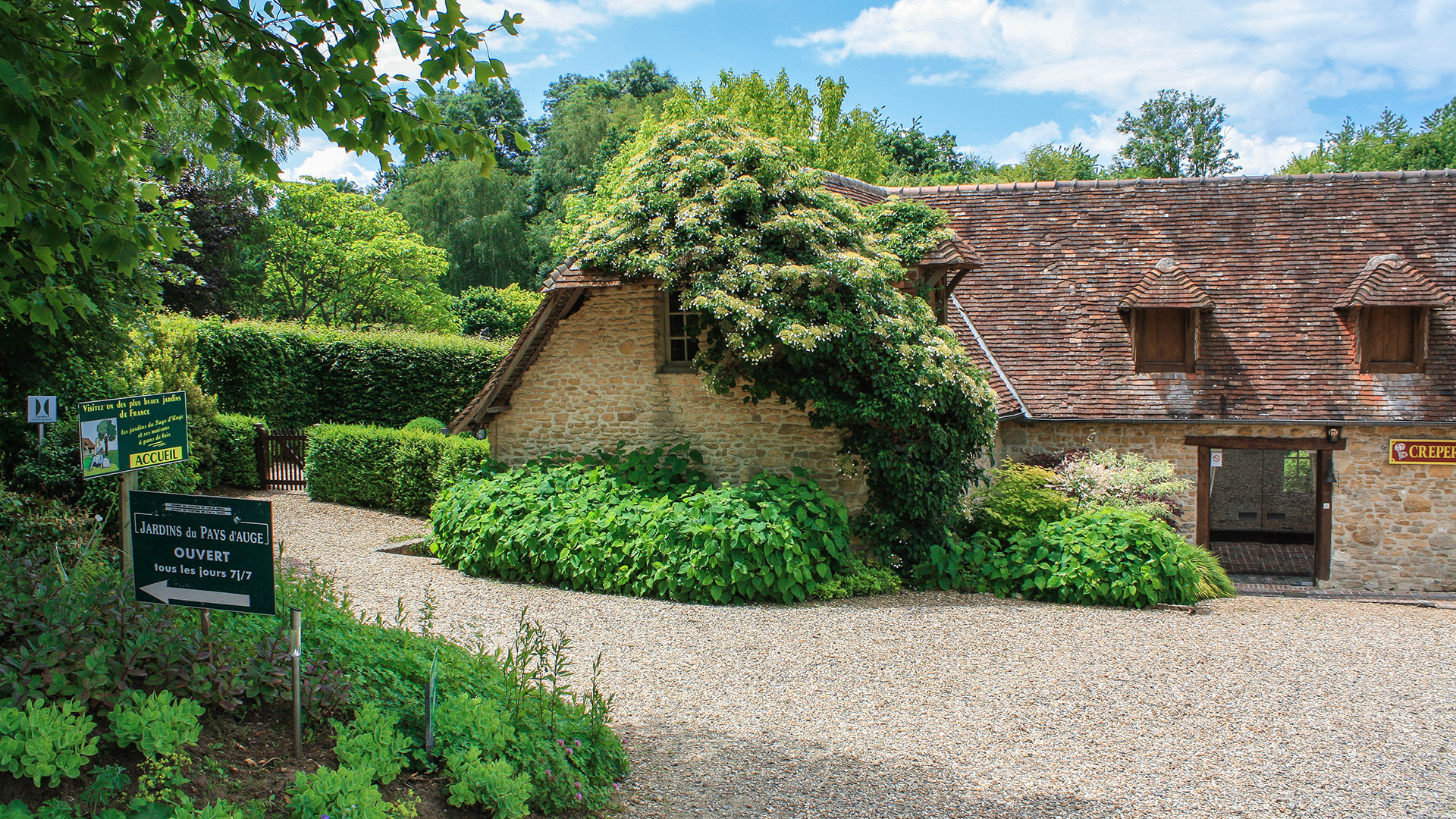 Jardins vue sur les jardins suspendus du recatadou et les for Entretien jardin bayeux